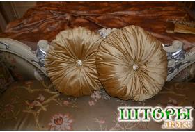 Подушка из обивочной ткани