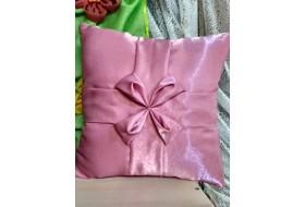 Подушка розовая цветочек